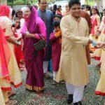 অনাথ ও পথশিশুদের মাঝে নতুন জামাসহ উপহার সামগ্রী বিতরণ করলেন কুমিল্লা জেলা প্রশাসক