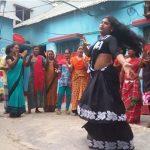 কুমিল্লায় গায়ে হাত দিয়ে হিজড়াদের 'চাঁদাবাজি'